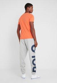 Polo Ralph Lauren - CUSTOM SLIM FIT JERSEY CREWNECK T-SHIRT - T-shirt basique - spring melon heat - 2