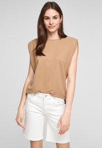 s.Oliver - Denim shorts - white - 3