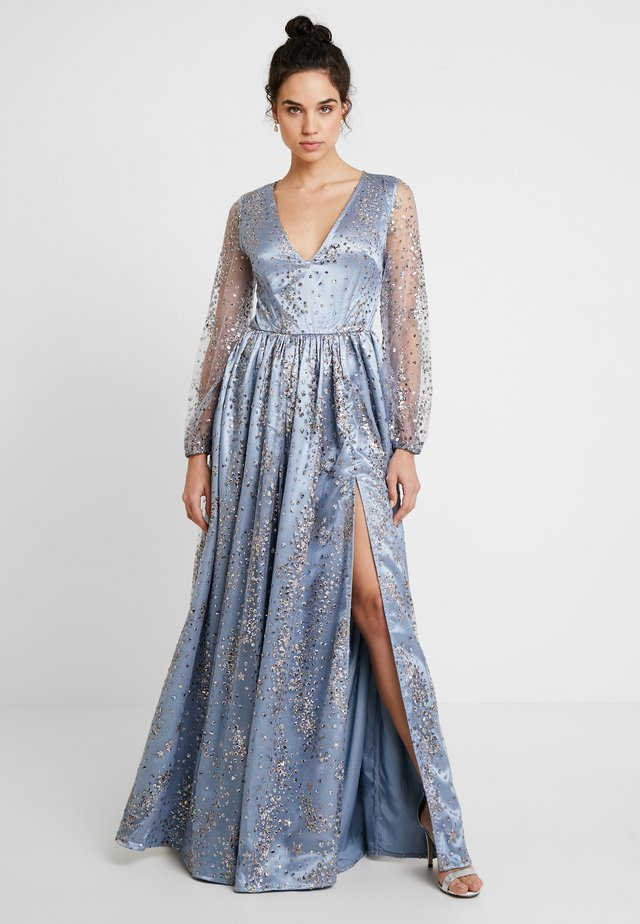 STAR GLITTER MAXI DRESS WITH BISHOP SLEEVES AND OPEN BACK - Gallakjole - blue/multi