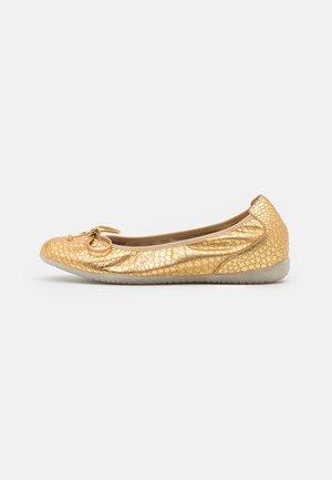 Cuñas - golden