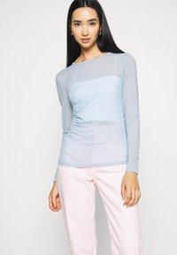NA-KD - ASYMMETRIC GATHERED - Long sleeved top - blue - 3