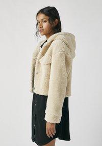 PULL&BEAR - Zimní bunda - beige - 3