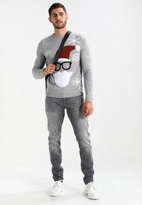 Mavi - JAMES - Slim fit jeans - grey ultra move - 1