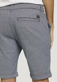 TOM TAILOR DENIM - Shorts - navy white dobby yarn dye - 5