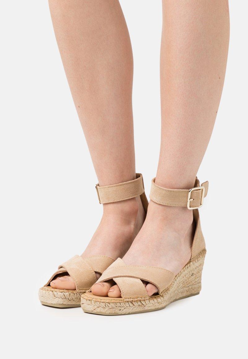 Selected Femme - SLFESTHER WEDGE  - Platform sandals - nude