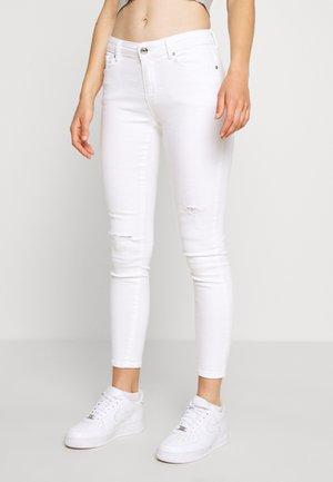 ONLCARMEN DEST - Jeans Skinny Fit - white