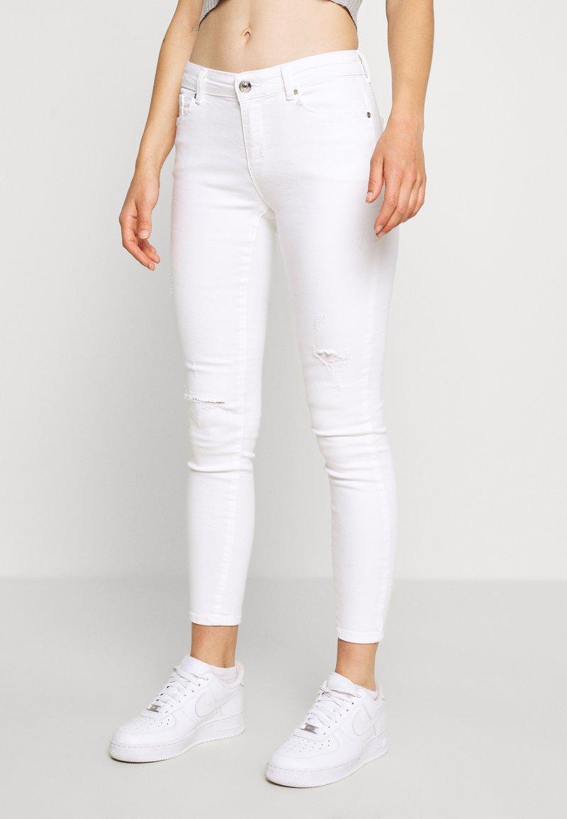 ONLY - ONLCARMEN DEST - Jeans Skinny Fit - white