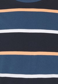Jack & Jones - JORPALISADES STRIPE TEE CREW NECK - Print T-shirt - ensign blue - 2