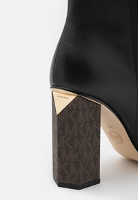 MICHAEL Michael Kors - PETRA TOE CAP BOOTIE - High heeled ankle boots - black/brown - 4