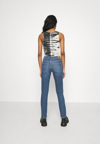 Diesel - ROISIN - Slim fit jeans - light blue - 2