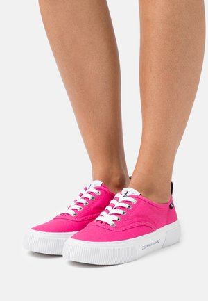VULCANIZED SKATE OXFORD - Trainers - party pink