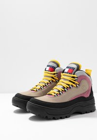 Tommy Jeans - TREKKING FROM THE ARCHIVES - Bottines à lacets - grey - 4