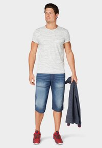 TOM TAILOR - MAX BERMUDA  - Denim shorts - mid stone wash denim - 1