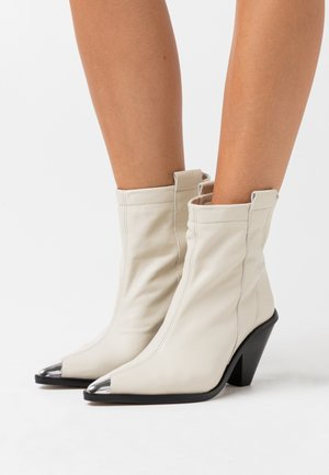 MELLIE TOE CAP - Bottines à talons hauts - buttermilk