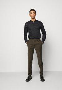HUGO - ENRIQUE - Camicia - black - 1