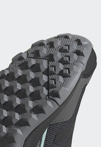 adidas Performance - TERREX EASTRAIL - Fjellsko - grey - 10
