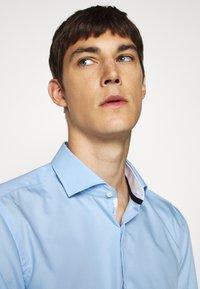 HUGO - KERY - Formal shirt - light pastel blue - 5