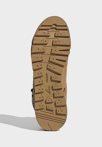 adidas Performance - TERREX SNOWPITCH COLD.RDY TRAXION - Fjellsko - brown - 5