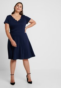 Anna Field Curvy - Žerzejové šaty - maritime blue - 0