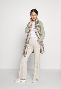 Esprit - UTILITY FINE - Cardigan - khaki green - 1