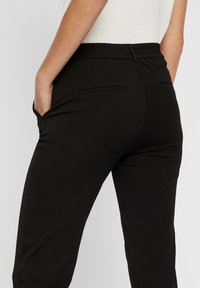 Vero Moda - VMMAYA LOOSE SOLID PANT  - Trousers - black - 4
