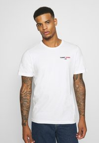 Tommy Jeans - CHEST CORP TEE UNISEX - Print T-shirt - white - 2