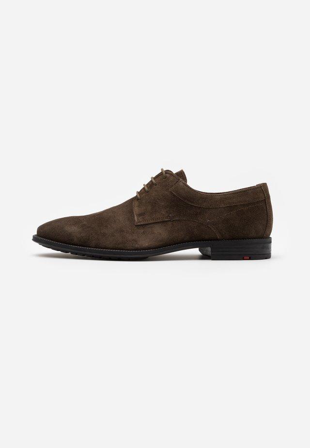 JUSTUS - Zapatos con cordones - tundra