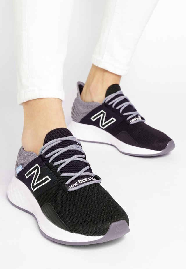 WROAVTG - Chaussures de running neutres - black/light aluminum