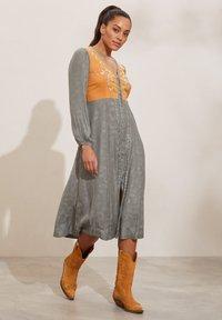 Odd Molly - SIENNA - Day dress - faded cargo - 1