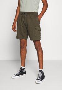 Burton Menswear London - Cargobyxor - khaki - 0