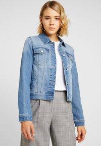 Vero Moda - VMULRIKKA JACKET - Denim jacket - light blue denim - 0