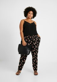 Zizzi - EXCLUSIVE EFLORAL WIDE PANT - Kalhoty - black combo - 2