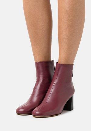 NADIA SOFT HEEL BOOT - Stiefelette - burgundy