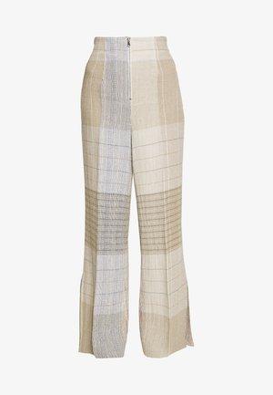 KARO PANT - Kalhoty - brown