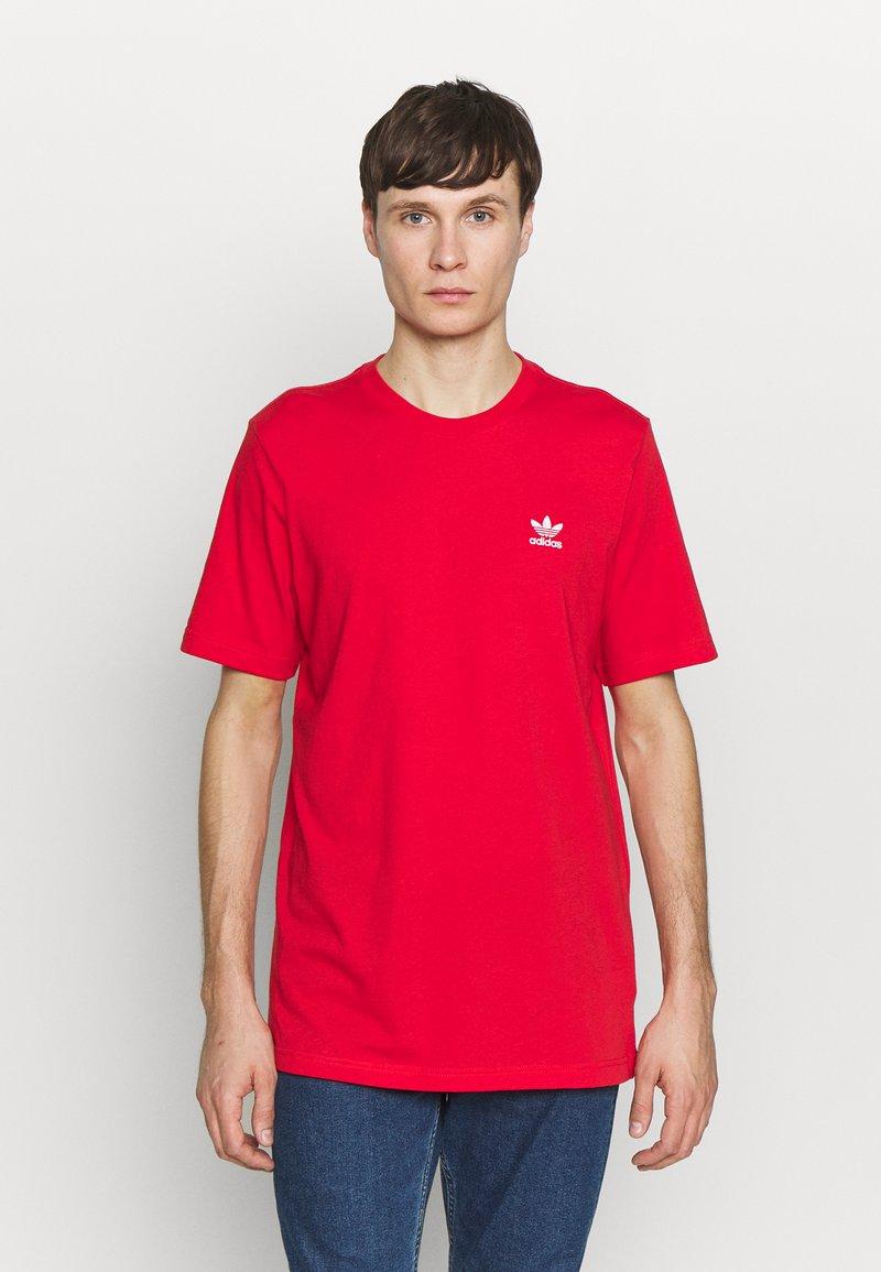 adidas Originals - ESSENTIAL TEE UNISEX - Basic T-shirt - lusred