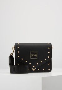 Versace Jeans Couture - STUDDED FLAP OVER - Sac bandoulière - black - 0
