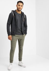 INDICODE JEANS - QUINBY - Hoodie met rits - charcoal mix - 1