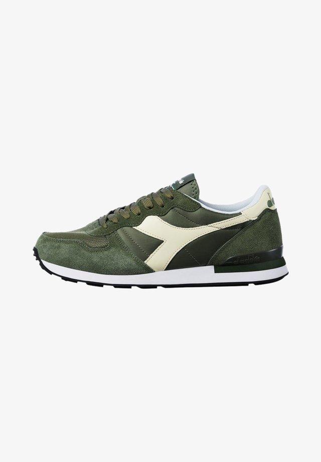 Sneakers - olivine