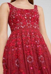Needle & Thread - SNOWFLAKE PROM DRESS - Koktejlové šaty/ šaty na párty - cherry red - 6