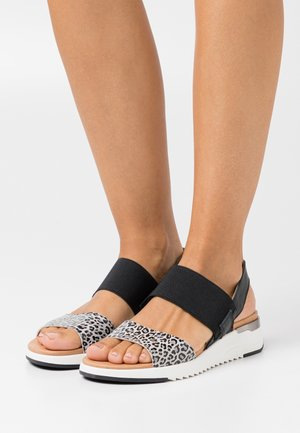 Wedge sandals - light grey