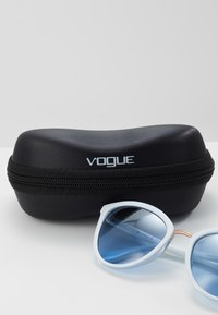 VOGUE Eyewear - Sunglasses - white/light blue - 2
