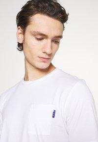 Scotch & Soda - POCKET TEE - Basic T-shirt - white - 5