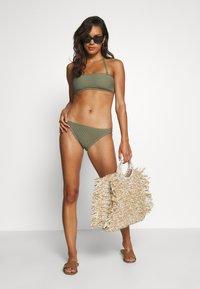 MICHAEL Michael Kors - DECADENT TEXTURE BANDEAU - Bikini top - army green - 1