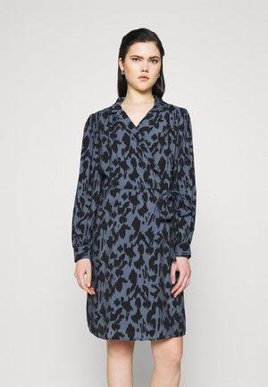 OBJMARCELA SHORT WRAP DRESS - Skjortekjole - blue mirage/black