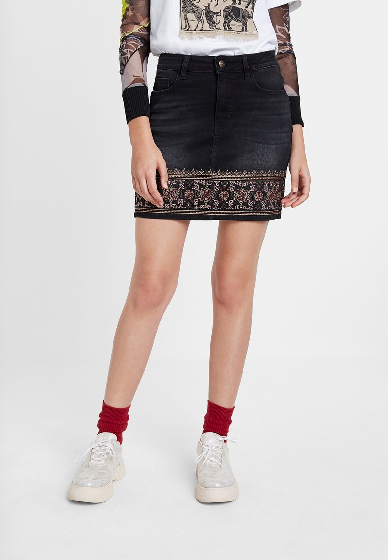 Desigual - A-snit nederdel/ A-formede nederdele - black