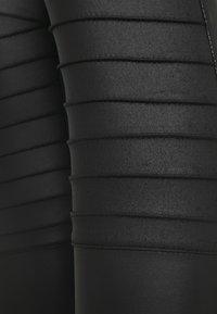 New Look Tall - WET LOOK BIKER - Leggings - black - 2