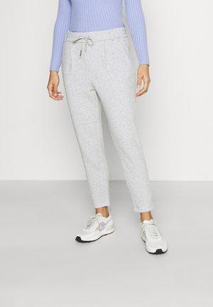 ONLPOPSWEAT EVERY LIFE EASY PANT - Pantaloni sportivi - light grey melange