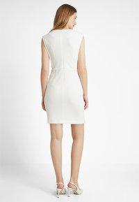 Esprit Collection - TEXTURED DRESS - Etuikleid - white - 2