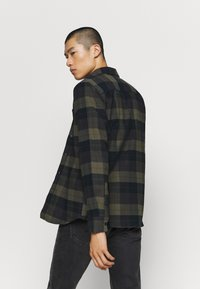 Volcom - CADEN PLAID - Shirt - army green - 2