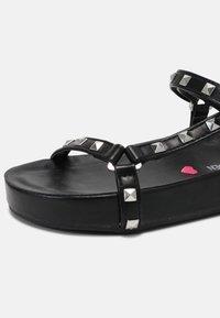 Steve Madden - BENZ - Sandals - black - 4